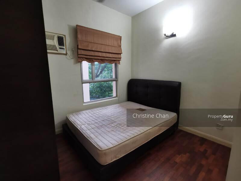 غرفة وسط في سيريمايا